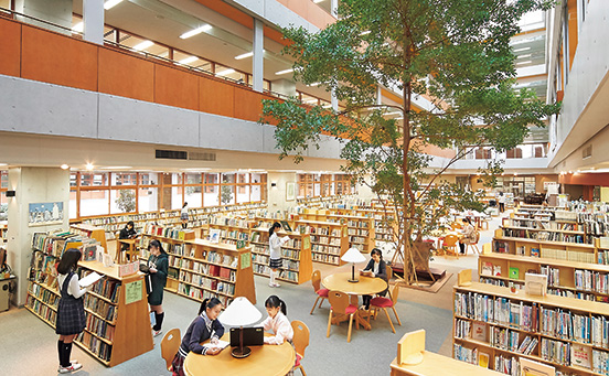 泉 中学校 恵 女 学園